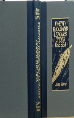 Twenty-Thousand-Leagues-Under-the-Sea-by-Jules-Verne-Hardcover