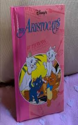 The-Aristocats--by-Walt-Disney-Hardcover